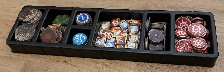 gloomhaven jaws of the lion review tray